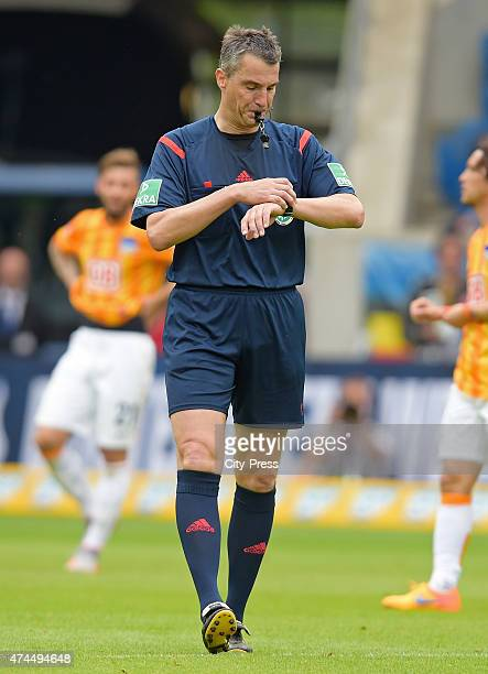 Referee Knut Kircher pfeift ab during the game between TSG Hoffenheim and Hertha BSC on may 23 2015 in Sinsheim Germany