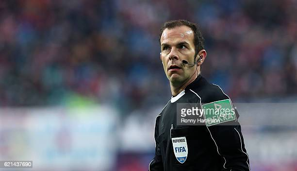 Referee Marco Fritz reacts during the Bundesliga match between RB Leipzig and 1 FSV Mainz 05 at Red Bull Arena on November 6 2016 in Leipzig Germany
