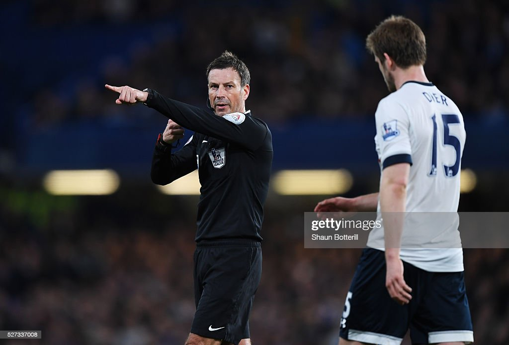 Referee Mark Clattenburg gives a decision during the Barclays Premier League match between Chelsea and Tottenham Hotspur at Stamford Bridge on May 02, 2016 in London, England.jd