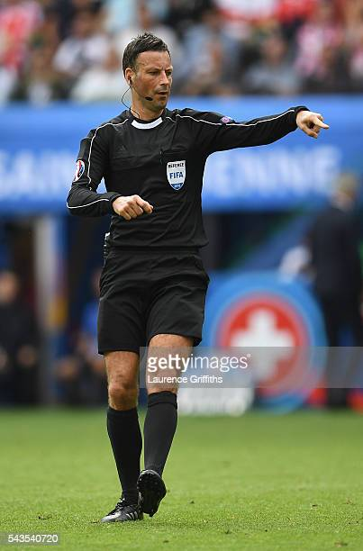 Referee Mark Clattenburg in action during the UEFA Euro 2016 Round of 16 match between Switzerland and Poland at Stade GeoffroyGuichard on June 25...