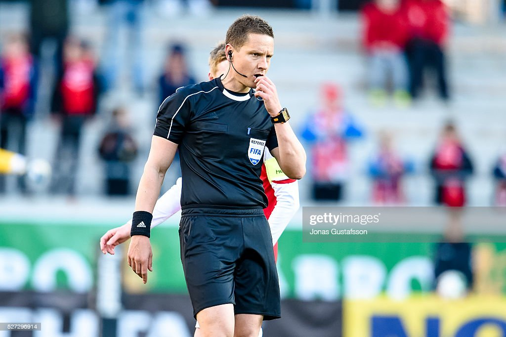 Referee Martin Strombergsson during the Allsvenskan match between Kalmar FF and Orebro SK at Guldfageln Arena on May 2, 2016 in Kalmar, Sweden.