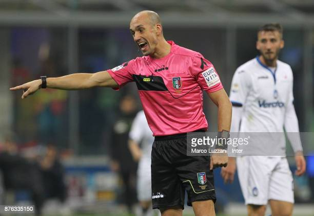Referee Michael Fabbri gestures during the Serie A match between FC Internazionale and Atalanta BC at Stadio Giuseppe Meazza on November 19 2017 in...