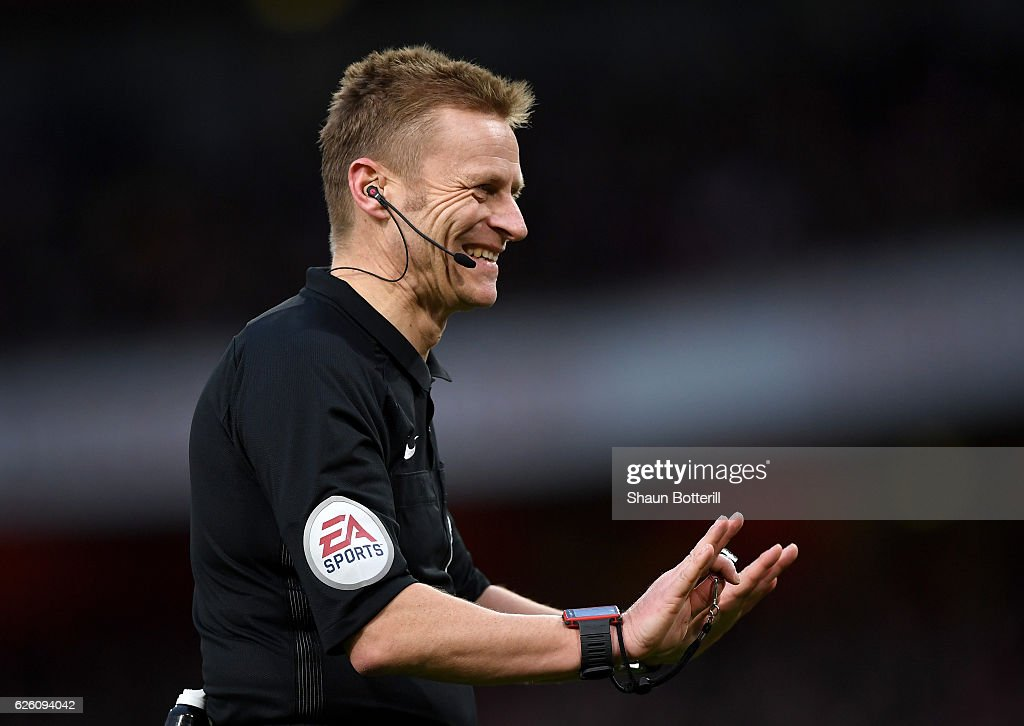 Referee Mike Jones during the Premier League match between Arsenal and AFC Bournemouth at Emirates Stadium on November 27, 2016 in London, England.