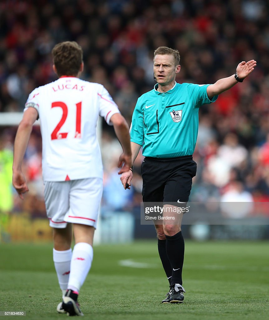 referee-mike-jones-in-action-during-the-barclays-premier-league-match-picture-id521834630