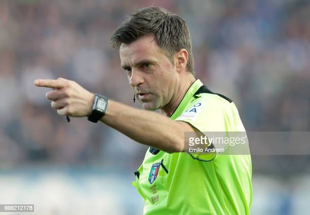 Referee Nicola Rizzoli gestures during the Serie A match between Atalanta BC and US Sassuolo at Stadio Atleti Azzurri d'Italia on April 8 2017 in...