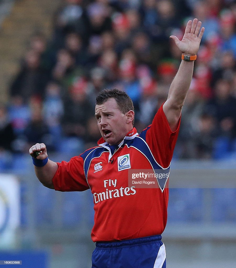 Referee Nigel Owens awards a penalty during the RBS Six Nations match between Italy and France at Stadio Olimpico on February 3, 2013 in Rome, Italy.
