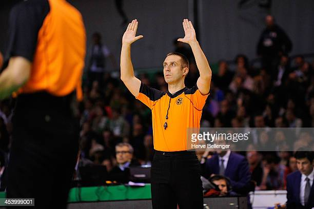 Referee Oliver Krause in action during the 20132014 Turkish Airlines Euroleague Regular Season Date 8 game between JSF Nanterre v FC Barcelona at...