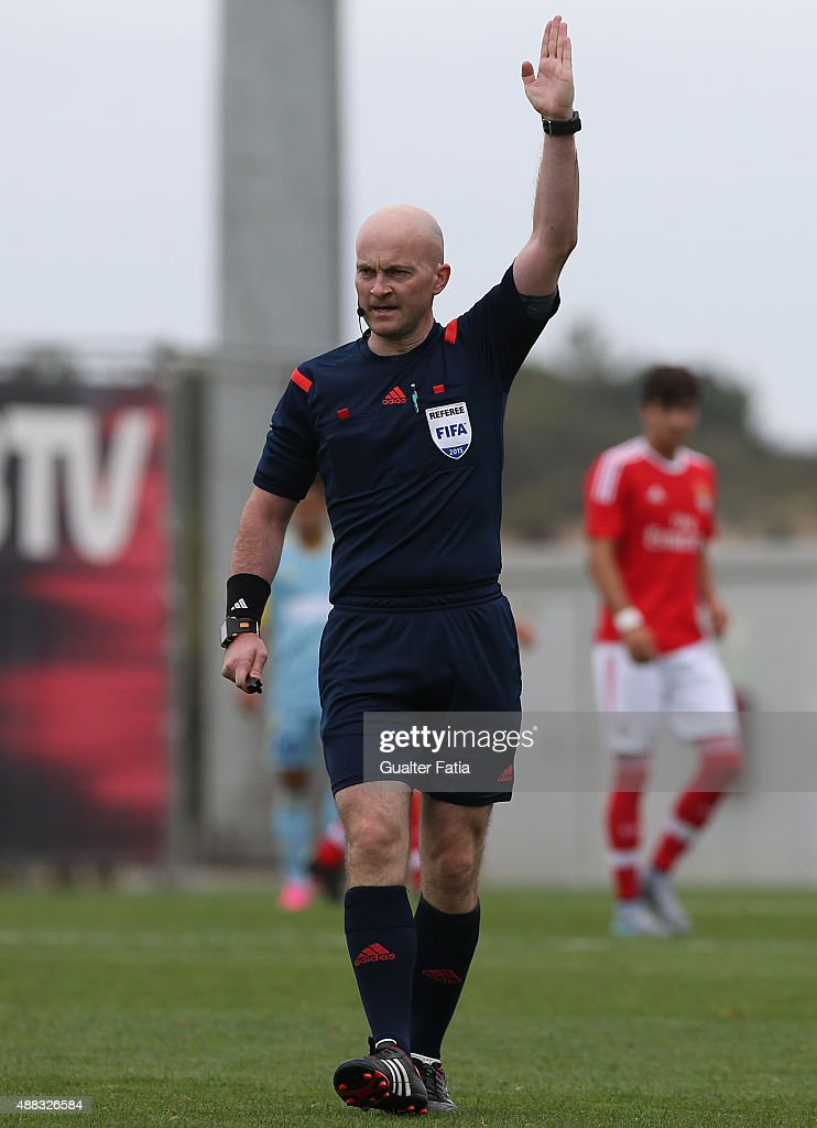 Referee Padraig Sutton in action during the UEFA Youth League match between SL Benfica and FC Astana at Caixa Futebol Campus on September 15 2015 in...
