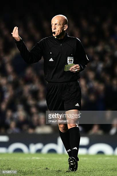 Referee Pierluigi Collina during the UEFA Champions League First Knockout Round Second Leg match between Chelsea and Barcelona at Stamford Bridge on...