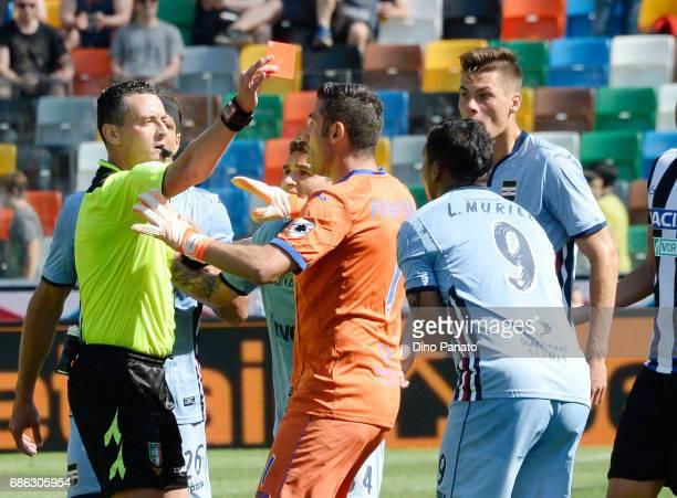 referee Riccardo Pinzani shows red card to Luis Fernando Muriel of UC Sampdoria during the Serie A match between Udinese Calcio and UC Sampdoria at...