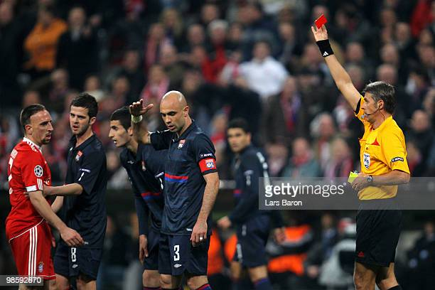Referee Roberto Rosetti shows Franck Ribery of Bayern the Red Card during the UEFA Champions League semi final first leg match between FC Bayern...