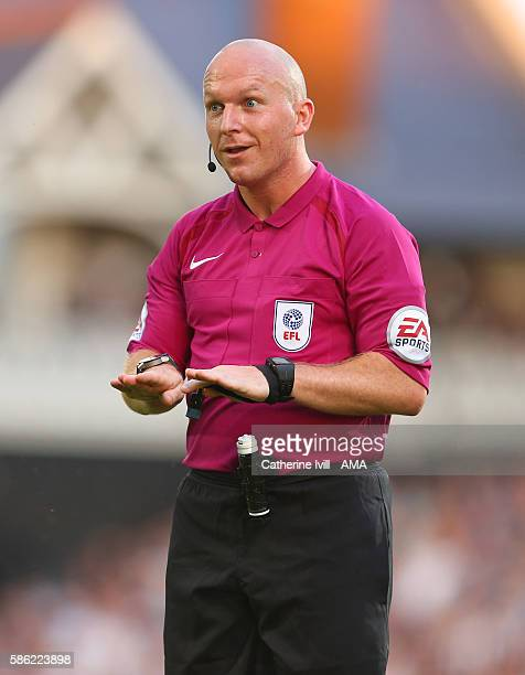 Referee Simon Hooper during the Sky Bet Championship match between Fulham and Newcastle United at Craven Cottage on August 5 2016 in London England