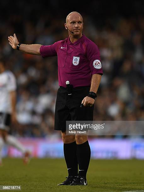 Referee Simon Hooper in action during the Sky Bet Championship match between Fulham and Newcastle United at Craven Cottage on August 5 2016 in London...
