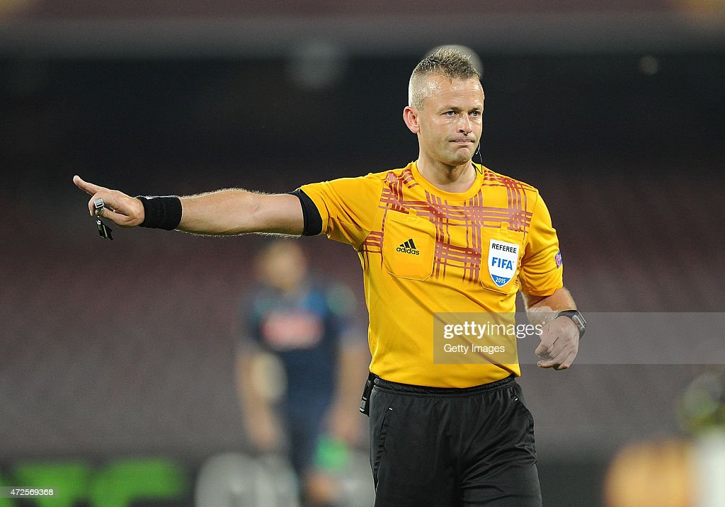 Referee <a gi-track='captionPersonalityLinkClicked' href=/galleries/search?phrase=Svein+Oddvar+Moen&family=editorial&specificpeople=6489051 ng-click='$event.stopPropagation()'>Svein Oddvar Moen</a> during the UEFA Europa League Semi Final between SSC Napoli and FC Dnipro Dnipropetrovsk on May 7, 2015 in Naples, Italy.