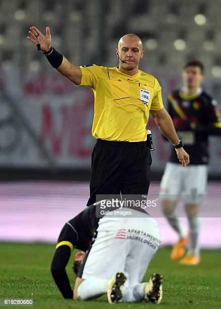 Referee Szymon Marciniak during the LOTTO Extraklasa match between Cracovia and Jagiellonia Bialystok on October 30 2016 in Krakow Poland