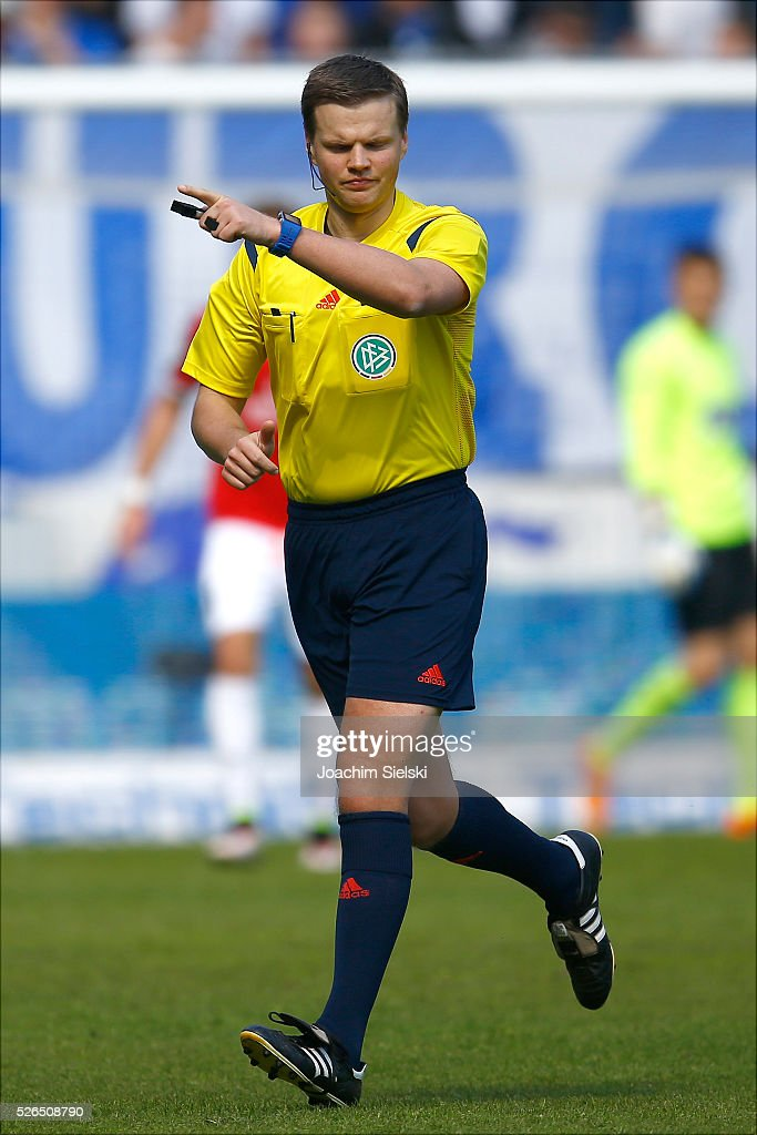 Referee Thorben Siewer during the Third League match between 1. FC Magdeburg and SG Sonnenhof-Grosssaspach at MDCC-Arena on April 30, 2016 in Magdeburg, Germany.