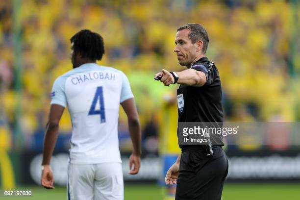 referee Tobias Stieler gestures during the UEFA European Under21 Championship match between Sweden and England at Arena Kielce on June 16 2017 in...