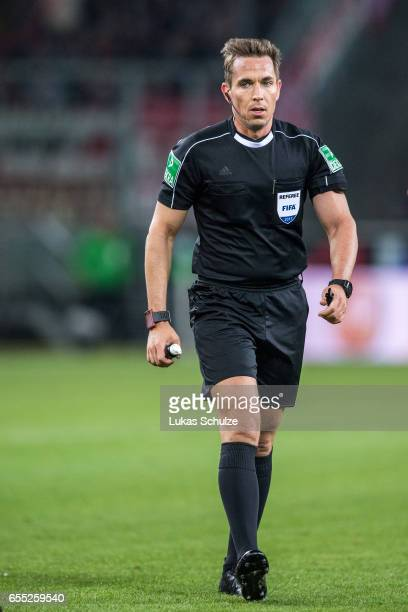 Referee Tobias Stieler is seen during the Bundesliga match between Borussia Moenchengladbach and Bayern Muenchen at BorussiaPark on March 19 2017 in...