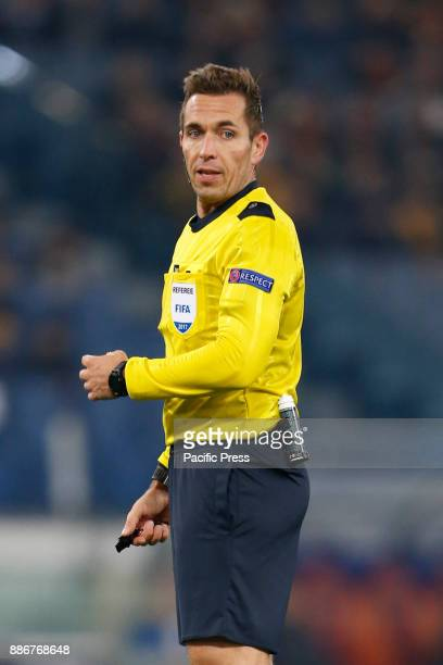 Referee Tobias Stieler of Germany during the UEFA Champions League Group C soccer match between Roma and Qarabag in Rome Roma won the match 10