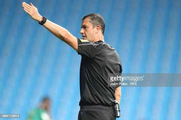 Referee Viktor Kassai gestures during the FIFA U20 World Cup Korea Republic 2017 group F match between Saudi Arabia and Senegal at Incheon Munhak...
