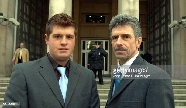 Reg Keys with his son Richard on the steps of the Ministry of Defence building before going to see before going to see Defence Secretary Des Browne