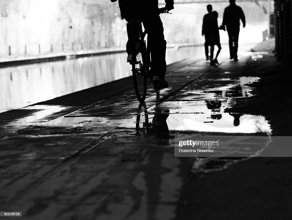 Regent's canal by bycicle