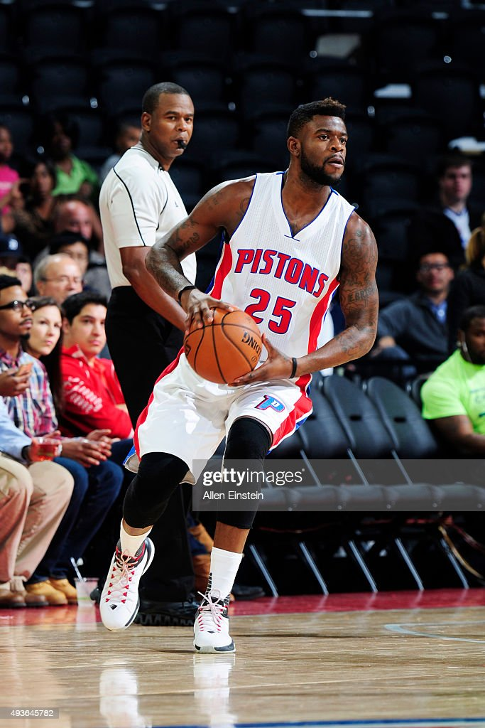 Reggie Bullock #25 of the Detroit Pistons handles the ball against the Charlotte Hornets on October 21, 2015 at The Palace of Auburn Hills in Auburn Hills, Michigan.