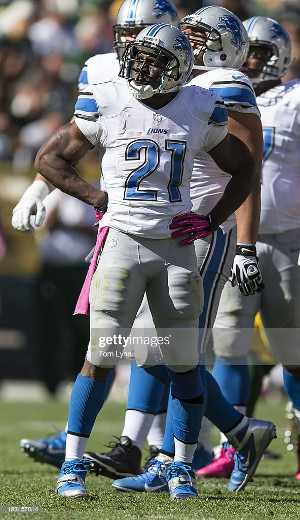 <a gi-track='captionPersonalityLinkClicked' href=/galleries/search?phrase=Reggie+Bush&family=editorial&specificpeople=183392 ng-click='$event.stopPropagation()'>Reggie Bush</a> #21 of the Detroit Lions reacts against the Green Bay Packers at Lambeau Field on October 6, 2013 in Green Bay, Wisconsin. The Packers defeated the Lions 22-9.