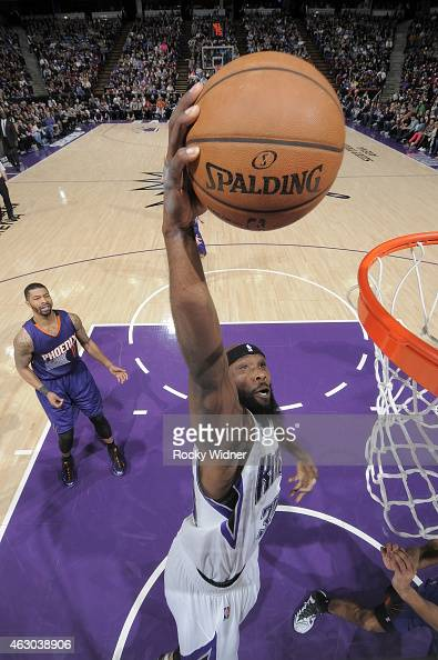 Reggie Evans of the Sacramento Kings dunks the ball against the Phoenix Suns at Sleep Train Arena on February 8 2015 in Sacramento California NOTE TO...