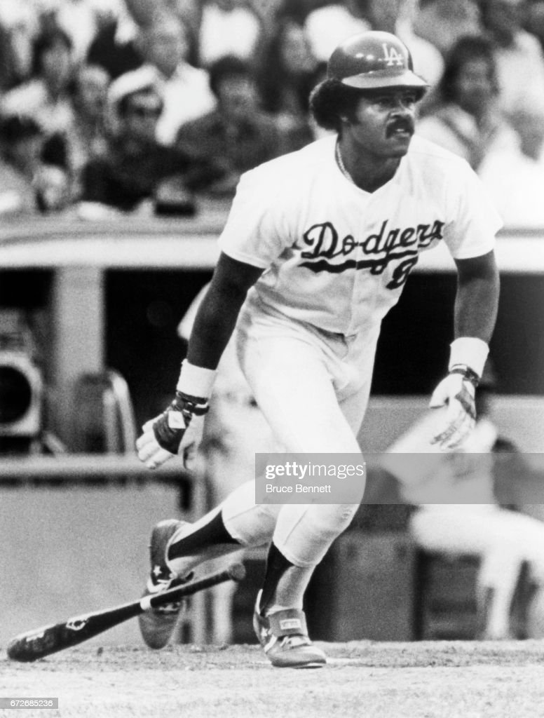Reggie Smith #8 of the Los Angeles Dodgers swings at the pitch during an MLB game circa 1978 at Dodger Stadium in Los Angeles, California.