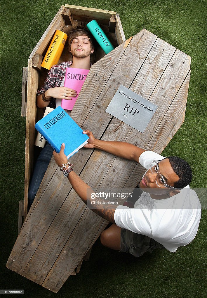 DJ Reggie Yates (R) and young campaigner Danny Bartlett launch the 'Hands Up Who's Bored?' campaign on September 29, 2011 in London, England. 'Hands up Who's Bored?' is a new campaign to protect the future of political education, backed by O2 Think Big.