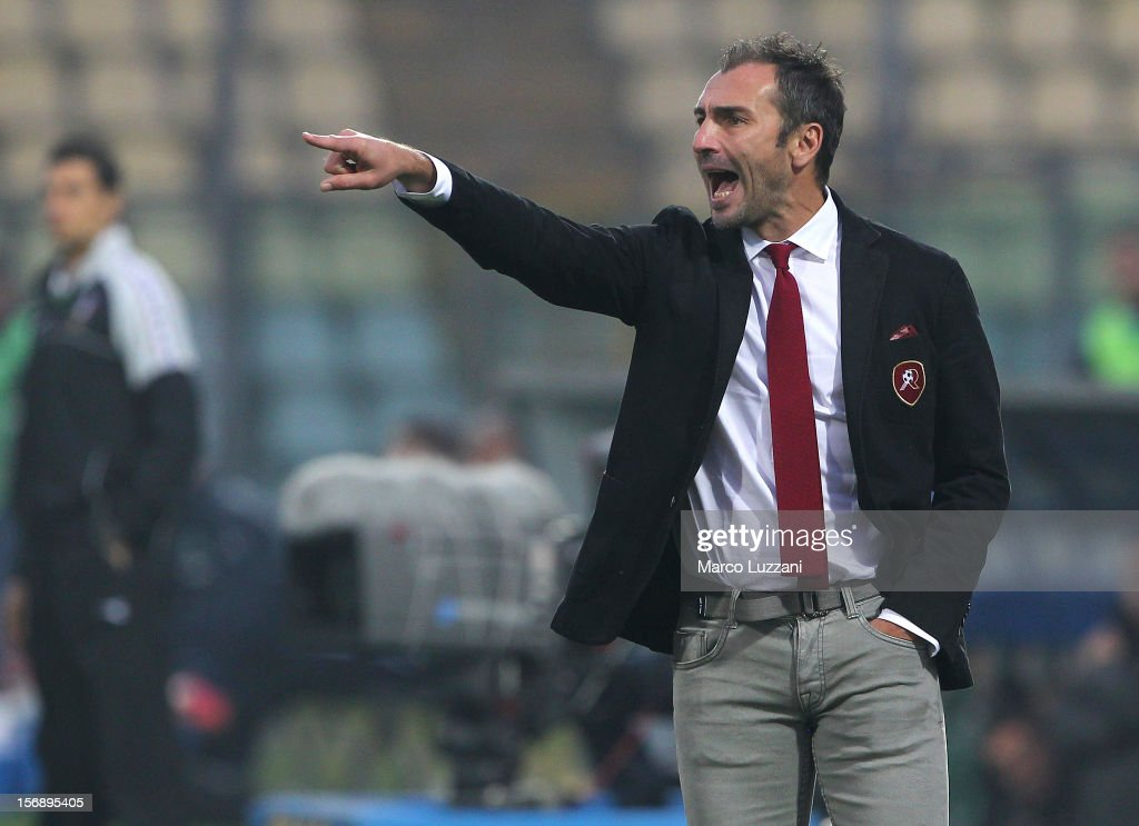 Reggina Calcio manager Davide Dionigi shouts to his players during the Serie B match between US Sassuolo and Reggina Calcio at Alberto Braglia Stadium on November 24, 2012 in Modena, Italy.