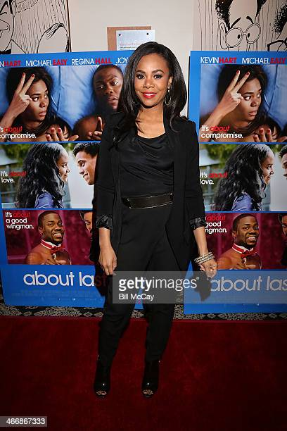 Regina Hall attends Sony Pictures' 'About Last Night' Philadelphia Red Carpet Screening with Kevin Hart and Regina Hall on February 4 2014 in...