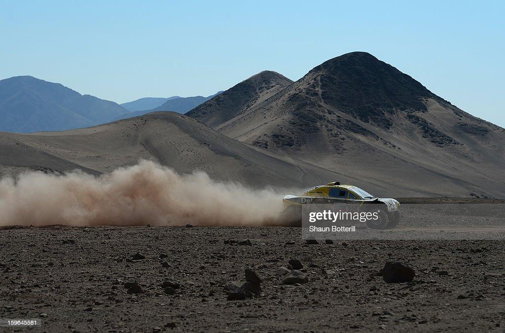 Regis Delahaye and co-driver Alexandre Winocq of team Buggy MD Rallye compete in stage 12 from Fiambala to Copiapo during the 2013 Dakar Rally on January 17, 2013 in Fiambala, Argentina.