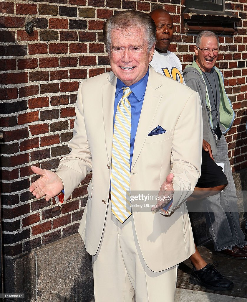 <a gi-track='captionPersonalityLinkClicked' href=/galleries/search?phrase=Regis+Philbin&family=editorial&specificpeople=202495 ng-click='$event.stopPropagation()'>Regis Philbin</a> arrives to 'Late Show with David Letterman' at Ed Sullivan Theater on July 24, 2013 in New York City.