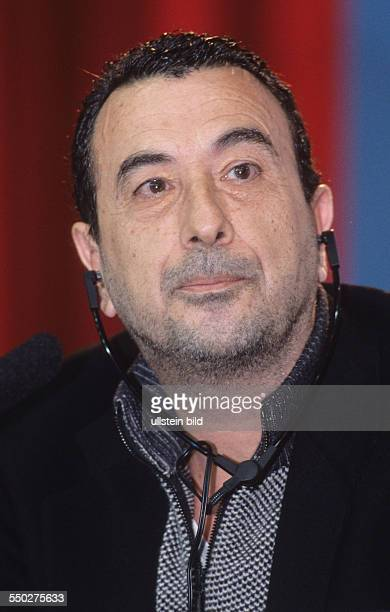 Regisseur Jose Luis Garci während einer Pressekonferenz anlässlich der 51 Internationalen Filmfestspiele in Berlin