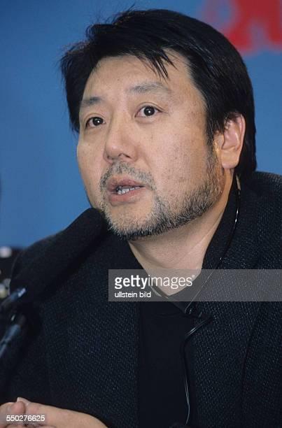 Regisseur Masato Harada während einer Pressekonferenz anlässlich der 51 Internationalen Filmfestspiele in Berlin