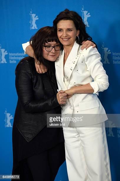 Regisseurin Isabel Coixet mit Schauspielerin Juliette Binoche während des Photocalls zum Film NOBODY WANTS THE NIGHT anlässlich der 65...