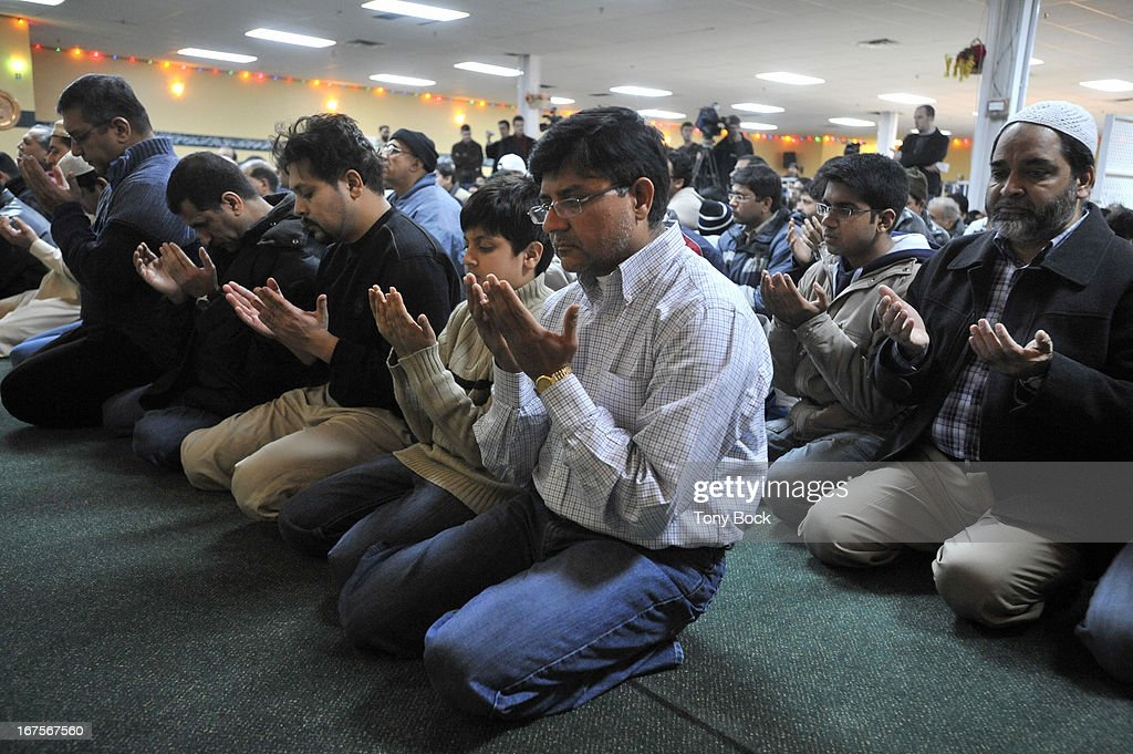 MOSQUE - Regular Friday prayers at the Mississauga Muslim Centre. After the normal service a prayer was said over the death of Benazir Bhutto.