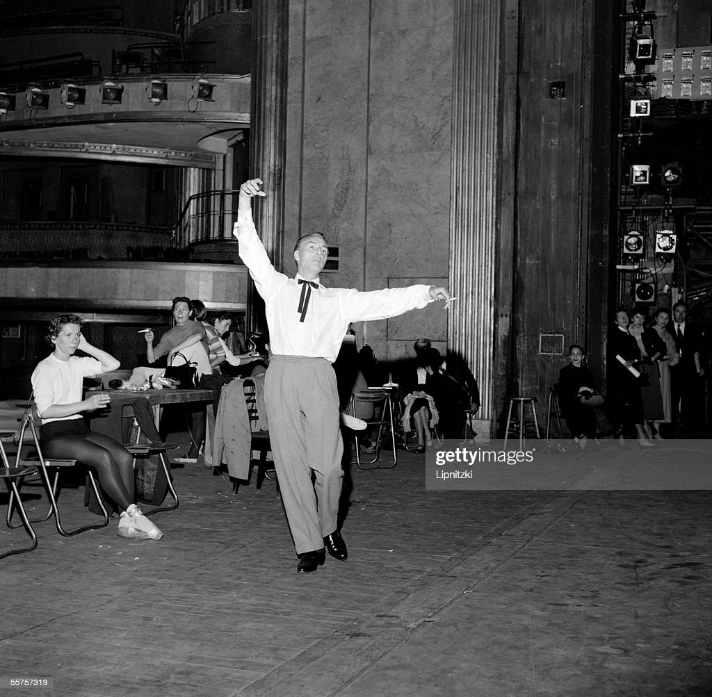 Rehearsal of New York City Ballet in the theater of Champs-Elysees. Paris, June, 1955. <a gi-track='captionPersonalityLinkClicked' href=/galleries/search?phrase=George+Balanchine&family=editorial&specificpeople=206890 ng-click='$event.stopPropagation()'>George Balanchine</a> ( 1904-1983 ) and to the left, <a gi-track='captionPersonalityLinkClicked' href=/galleries/search?phrase=Maria+Tallchief+-+Ballet+Dancer&family=editorial&specificpeople=861863 ng-click='$event.stopPropagation()'>Maria Tallchief</a>. LIP