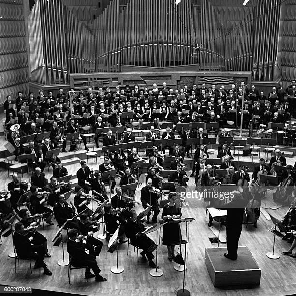Rehearsal of 'Pacem in Terris' of Darius Milhaud by the national orchestra of the ORTF in the big auditorium of the house of the ORTF