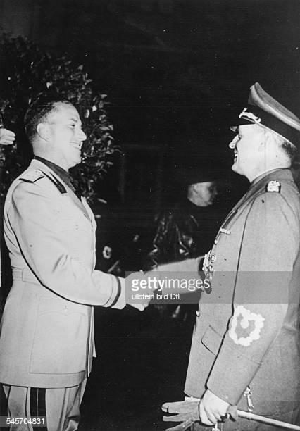 Reichsaussenminister Joachim v Ribbentrop und sein italienischerAmtskollege Galeazzo Graf Ciano nachAbschluss der ersten Gespräche im PalazzoMonforte...