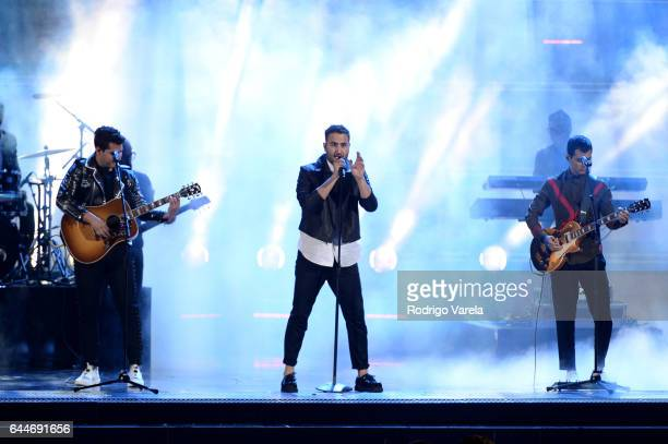 Reik performs onstage during Univision's 29th Edition of Premio Lo Nuestro A La Musica Latina at the American Airlines Arena on February 23 2017 in...