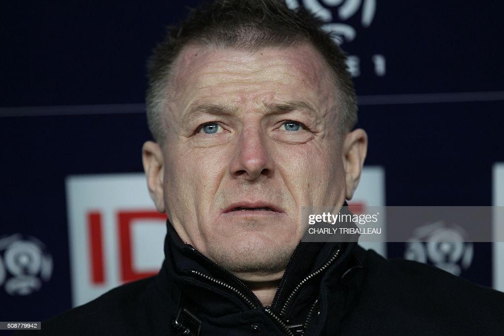 Reims' coach Olivier Guegan is pictured before the French L1 football match between Caen (SM Caen) and Reims (SD Reims), on February 6, 2016 at the Michel d'Ornano stadium, in Caen, northwestern France. AFP PHOTO / CHARLY TRIBALLEAU / AFP / CHARLY TRIBALLEAU