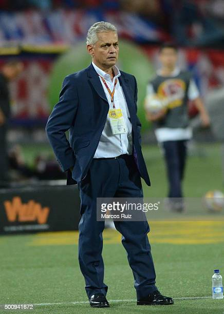 Reinaldo Rueda coach of Nacional looks on during a first leg match between Independiente Medellin and Atletico Nacional as part of Semi Finals of...