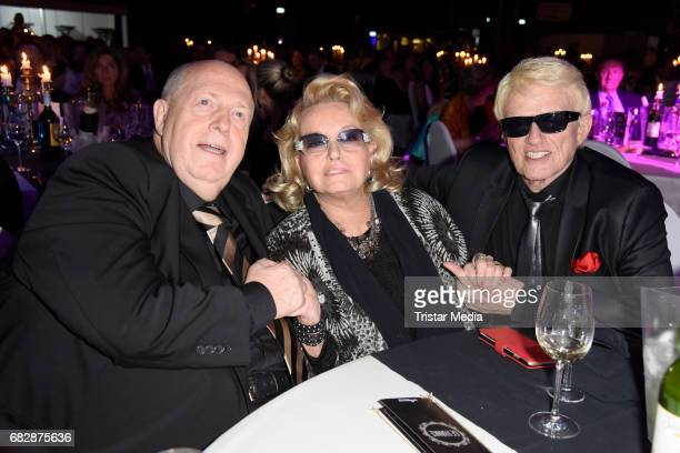 Reiner Calmund Heino and his wife Hannelore Kramm attend the 'Goldene Sonne 2017' Award by SonnenklarTV on May 13 2017 in Kalkar Germany