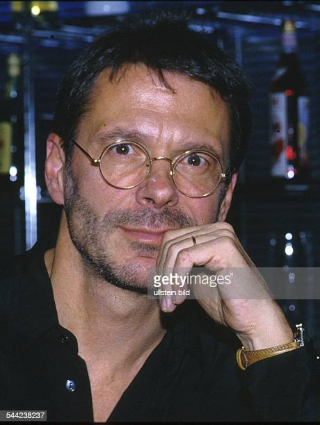 Reinhard Mey *Singer songwriter composer musician balladeerPortrait 1990ies