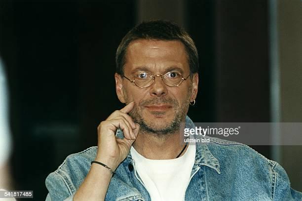 Reinhard Mey *Singer songwriter composer musician balladeerPortrait 1996 /english>