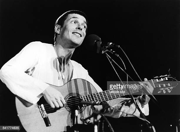Reinhard Mey *Singer songwriter composer musician balladeeron stage 1978