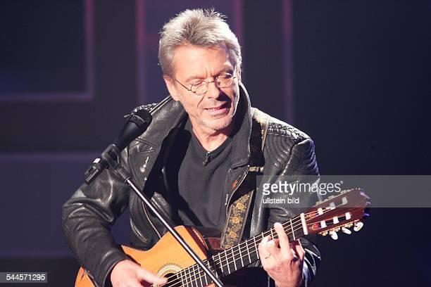 Reinhard Mey *Singer songwriter composer musician balladeeron stage 2005